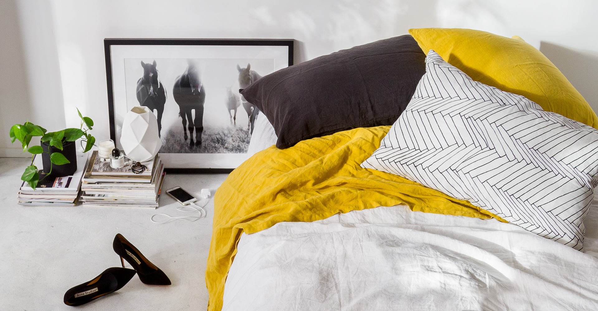 Indie home collective lookbook avec une photo de la série Pampa Horses