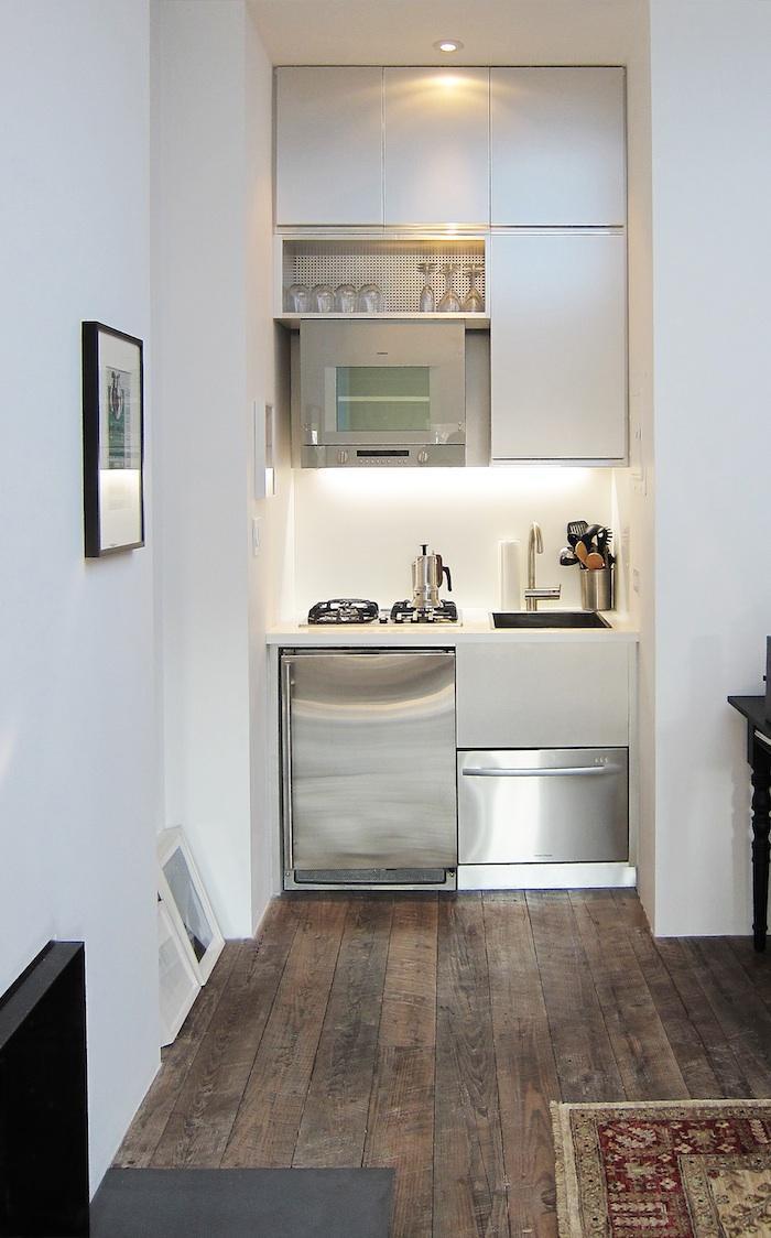 Une petite cuisine par Mesh architectures