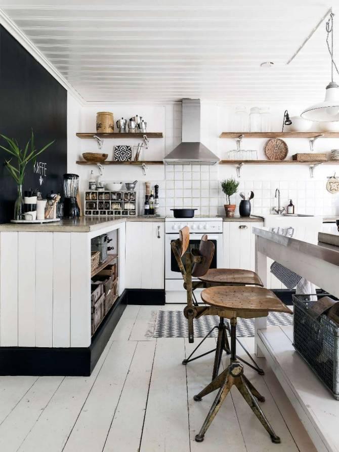 Une maison en Suede mélangeant style rustique et objets industriels