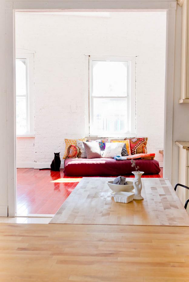 L'appartement de Caitlin Mociun à Brooklyn || #banquette #bohème
