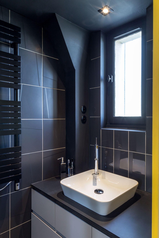La salle de bain se met en scène || Appartement aux Buttes-Chaumont par l'architecte Matthis Chaumont
