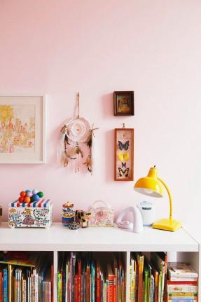 Skye Parrott home - Chambre de fillettes bohème #rose #dream #catcher