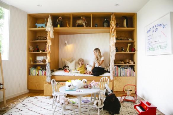 The hive at home Jessica Deruiters light filled L.A. Abode - Chambre d'enfant boho à L.A.