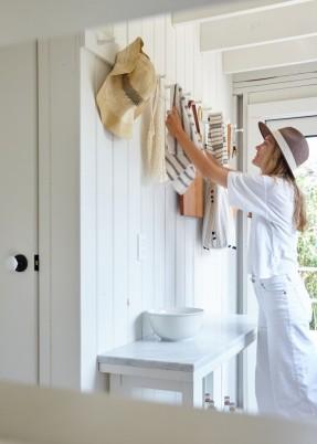 La cabane d'Ann Stephenson et Lori Scacco à Fire Island || #chapeaux de #paille
