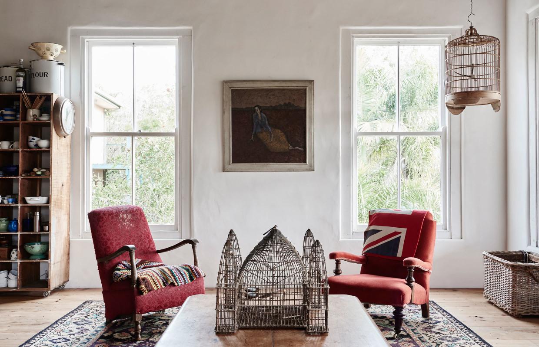 La maison de bric et de broc d'Anna et Andrew Swain en Australie