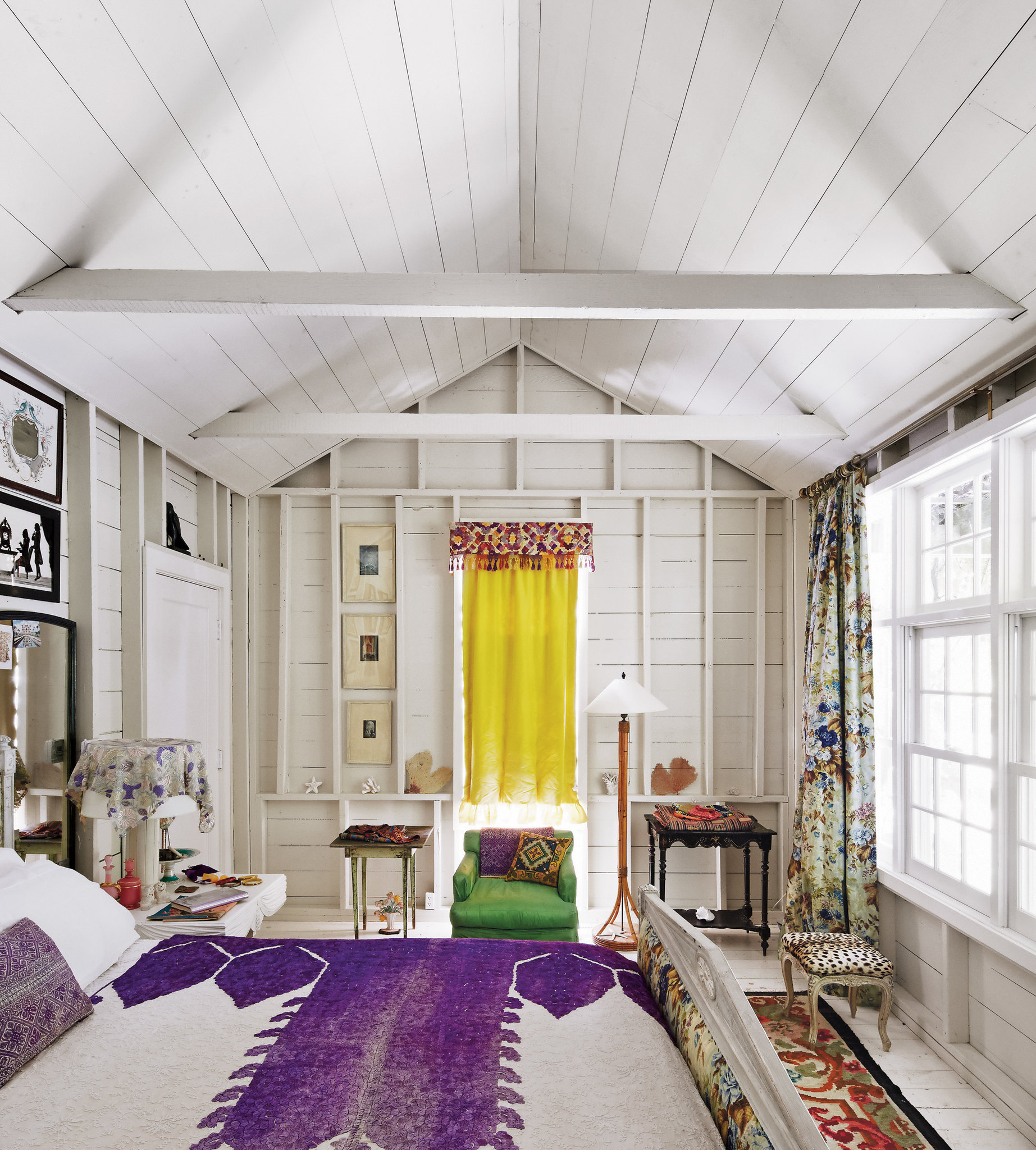Emilie Irving house Springs East Hampton || Maison bohème + Mix and match de tissus etniques