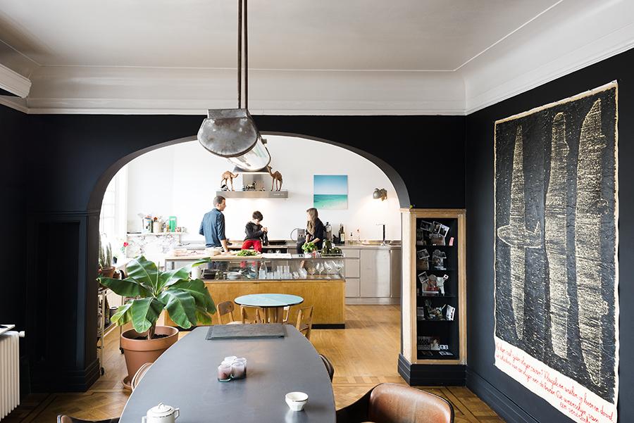 Intérieur d'Ingrid Deuss sur coffeeklatch || #séjour #noir