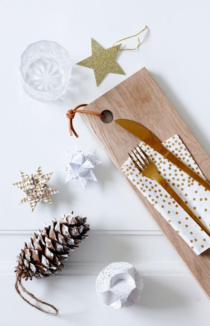 Catalogue de Noël Søstrene Grene - Déco de Noël dorée