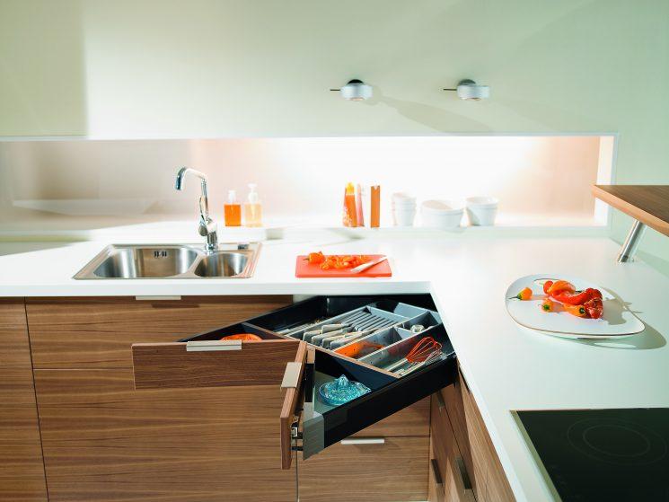 tiroir angle cuisine stunning angle cuisine cuisine amacnagace d angle tiroir angle cuisine. Black Bedroom Furniture Sets. Home Design Ideas