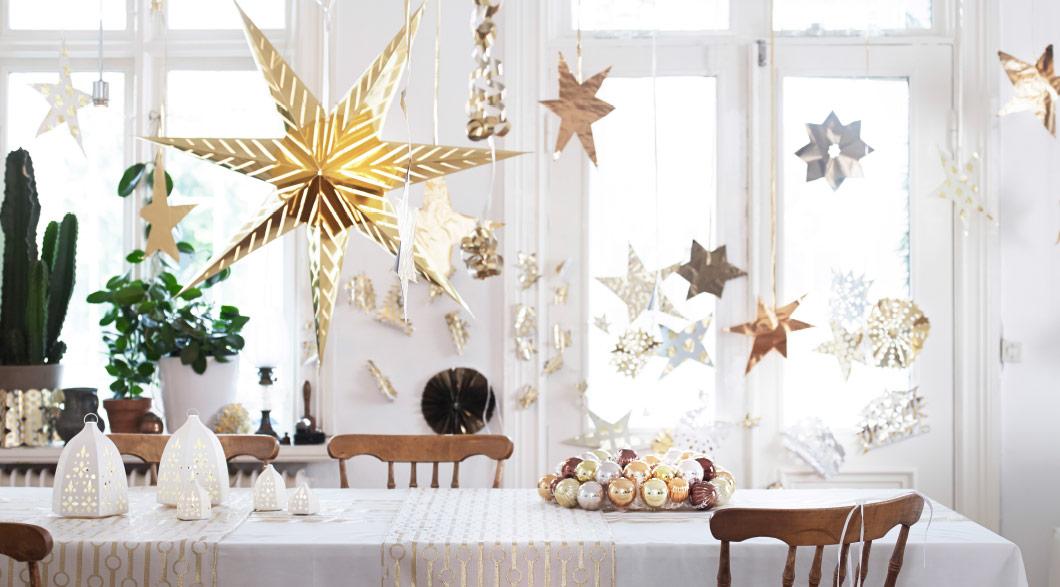Catalogue de Noël IKEA - Une déco de Noël dorée