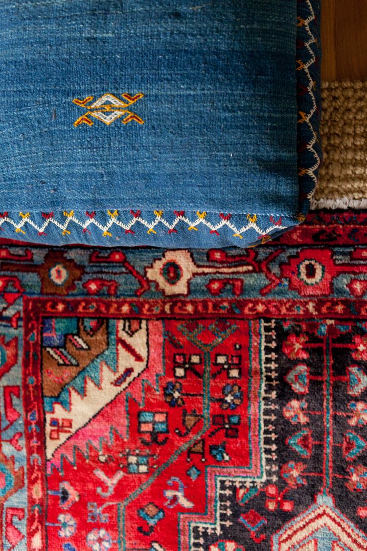 Natalie Myers de Veneer Designs - project - Détail de tapis en kilim