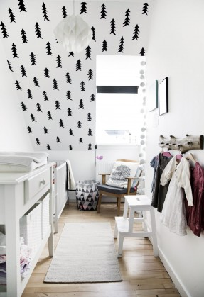 Une chambre d\'enfant en noir et blanc