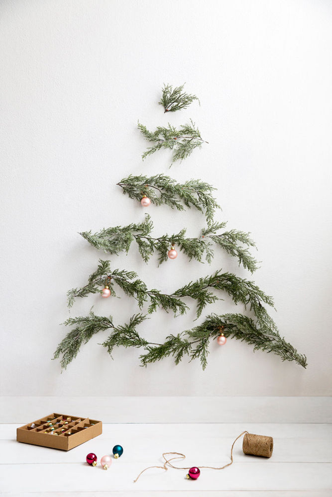 Décoration de Noël inspirée de la nature || DIY un arbre de Noël alternatif