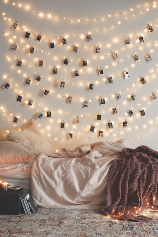 Lumière de Noël || Urban Outfitters UO DIY: Decorating with Instax