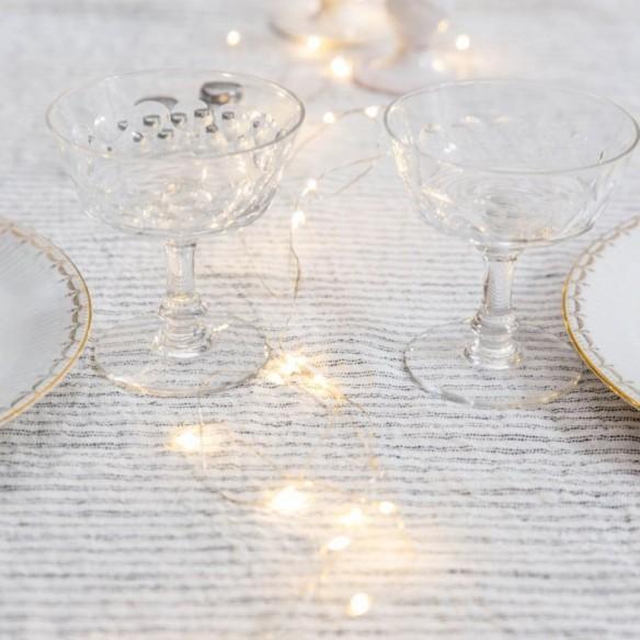 Lumière de Noël || Guirlande de Noël comme décor de table Le Petit Florilège