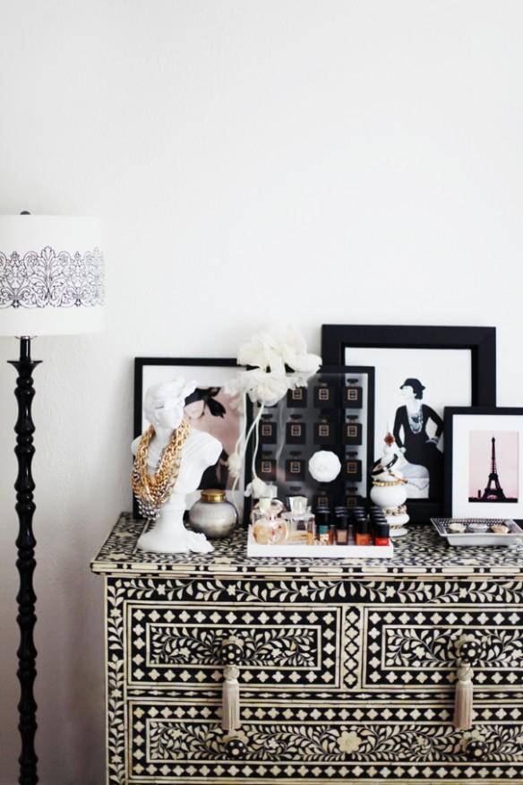 L'intérieur de Jessica Marx - Commode indienne ethnique en noir et blanc