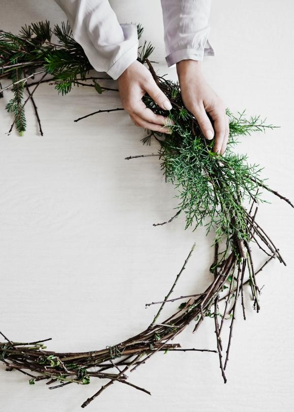 Décoration de noël naturelle à fabriquer || Couronne de Noël par la stylist Fleur McHarg