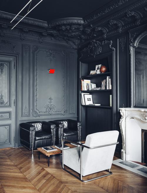 Moulures et Boiseries noires - Festen Architecture - Projet de bureau, quartier Saint-George