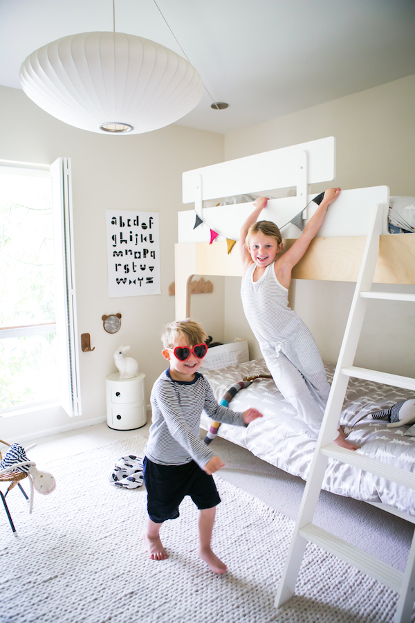 Chambre denfant monochrome blanc pour enfants du design