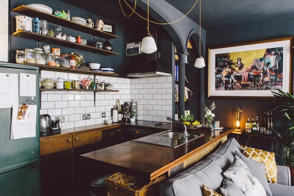 La maison d'Edd et Cassandra à Bristol, propriétaires de Dig Haüshizzle || #décoration #noir