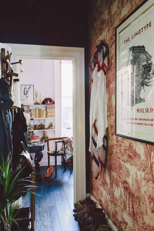 La maison d'Edd et Cassandra à Bristol, propriétaires de Dig Haüshizzle || #décoration #noir #toile #jouy