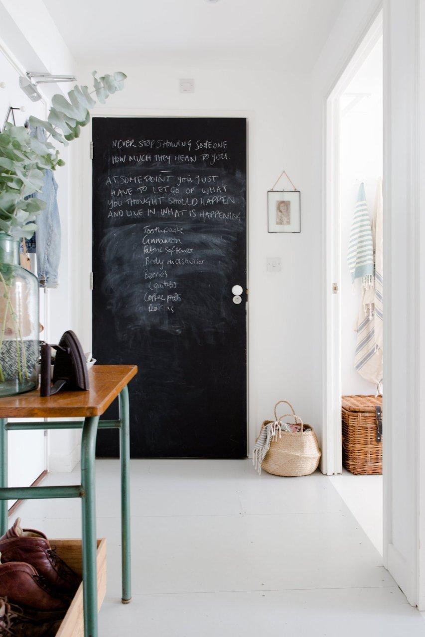 6 astuces pour rendre sa porte d'entrée design et glamour // En faire un tableau noir