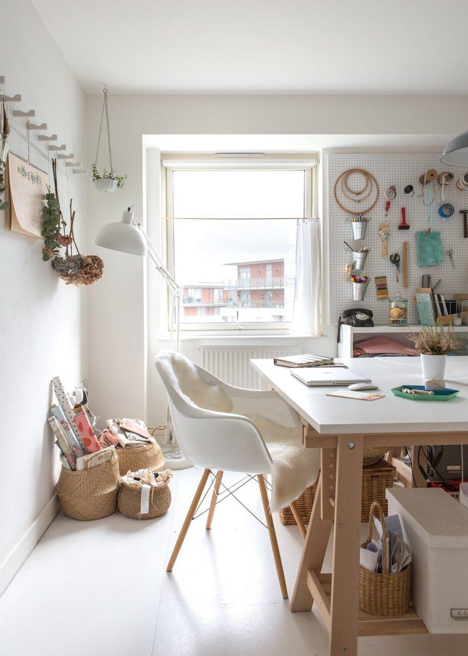 Une déco personnelle dans un appartement récent || L'appartement de Katy Orme à Londres
