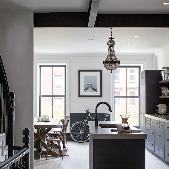 Obsession une cuisine am nag e bois et noir for New york brownstone interior design