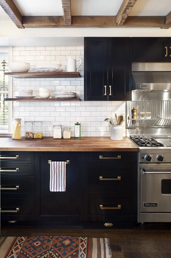 obsession une cuisine am nag e bois et noir turbulences d co. Black Bedroom Furniture Sets. Home Design Ideas