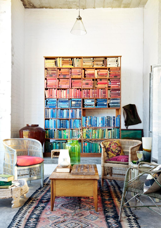 X façon de ranger ses livres de façon improbable - Ranger ses livres par couleur