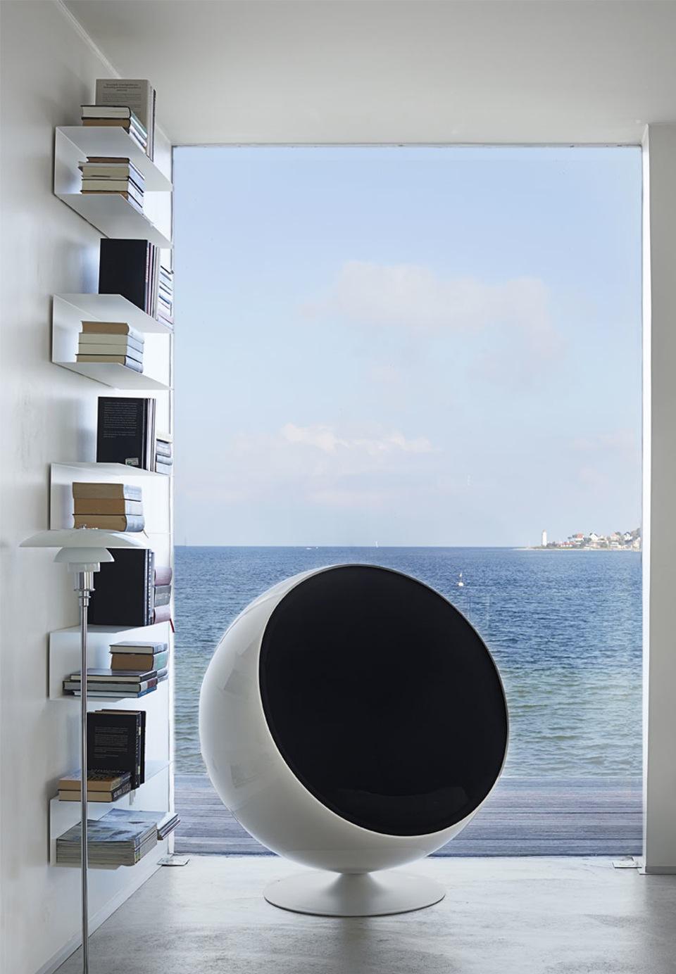 Une maison au bord de mer avec une vue extraordinaire