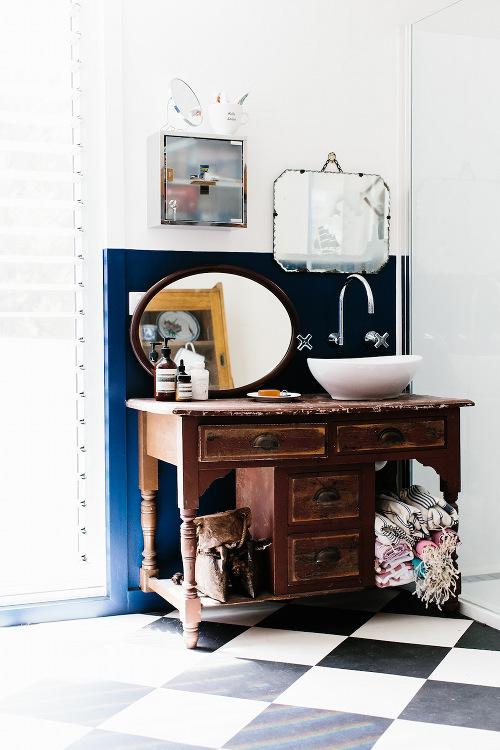 Collection de miroirs vintage au-dessus pour meuble de salle de bains vintage