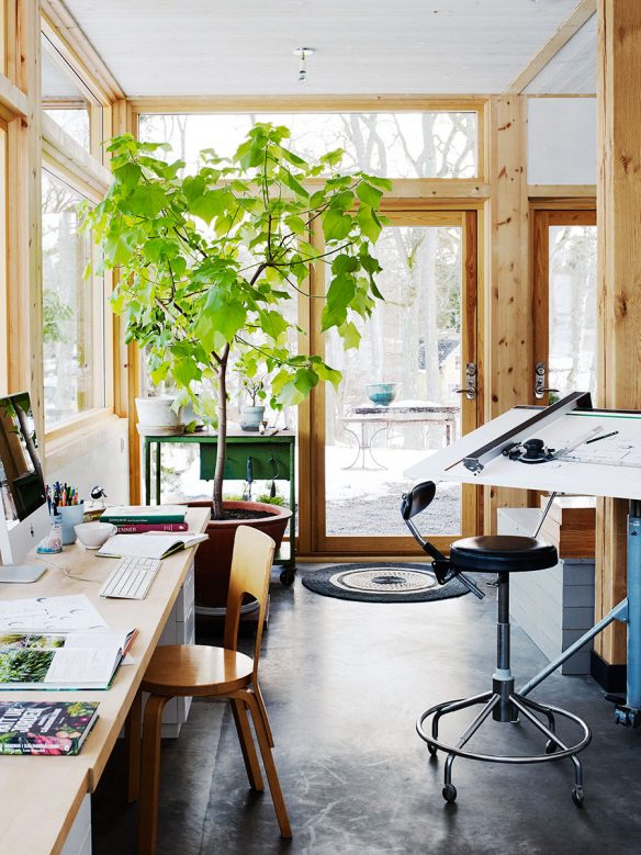 La maison de Calle Forsbergs et Marika Delins : Véranda en bois de chantier
