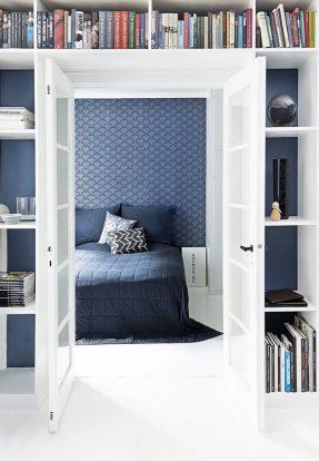 inspiration du jour en bleu indigo et blanc. Black Bedroom Furniture Sets. Home Design Ideas