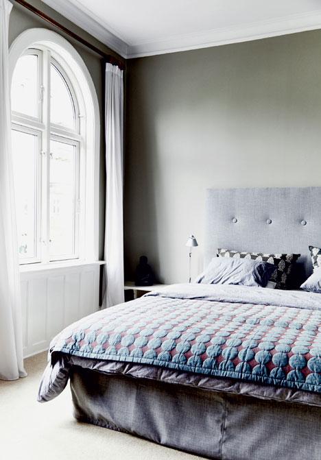 une chambre grise et pastel toute douce. Black Bedroom Furniture Sets. Home Design Ideas