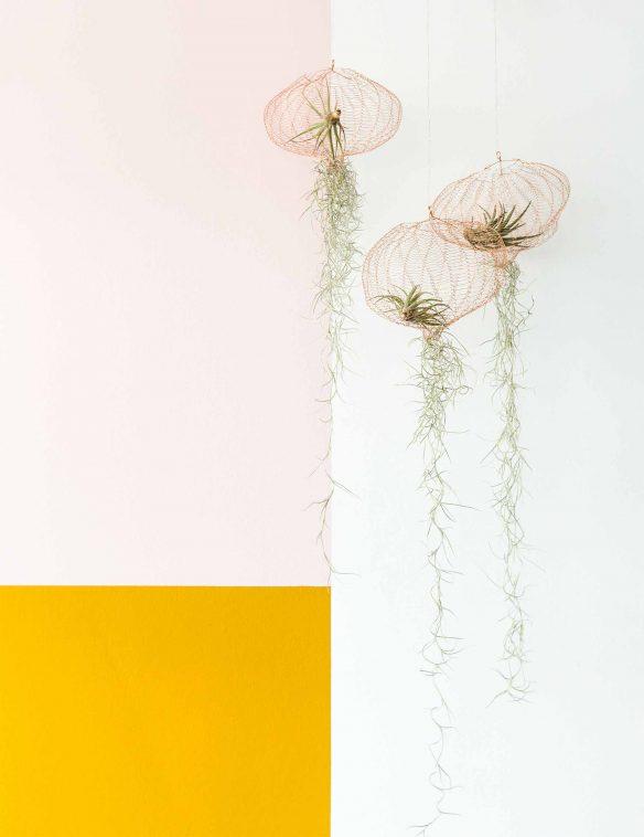 Combo rose et jaune sur la déco || Rose poudre et jaune ocre pour une déco scandi