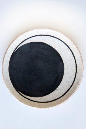 MQuan - Black crescent dish
