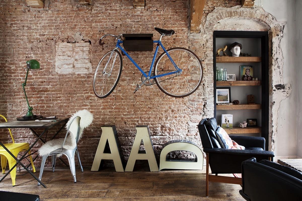 Une maison ancienne à la décoration éclectique à Amsterdam par James van der Velden