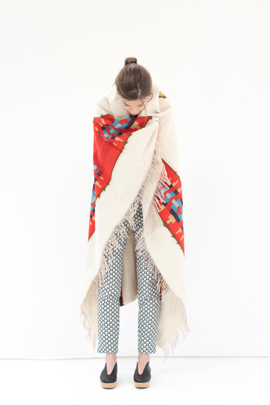 Via la boutique Beklina - Pendleton Blanket Banded Stripe