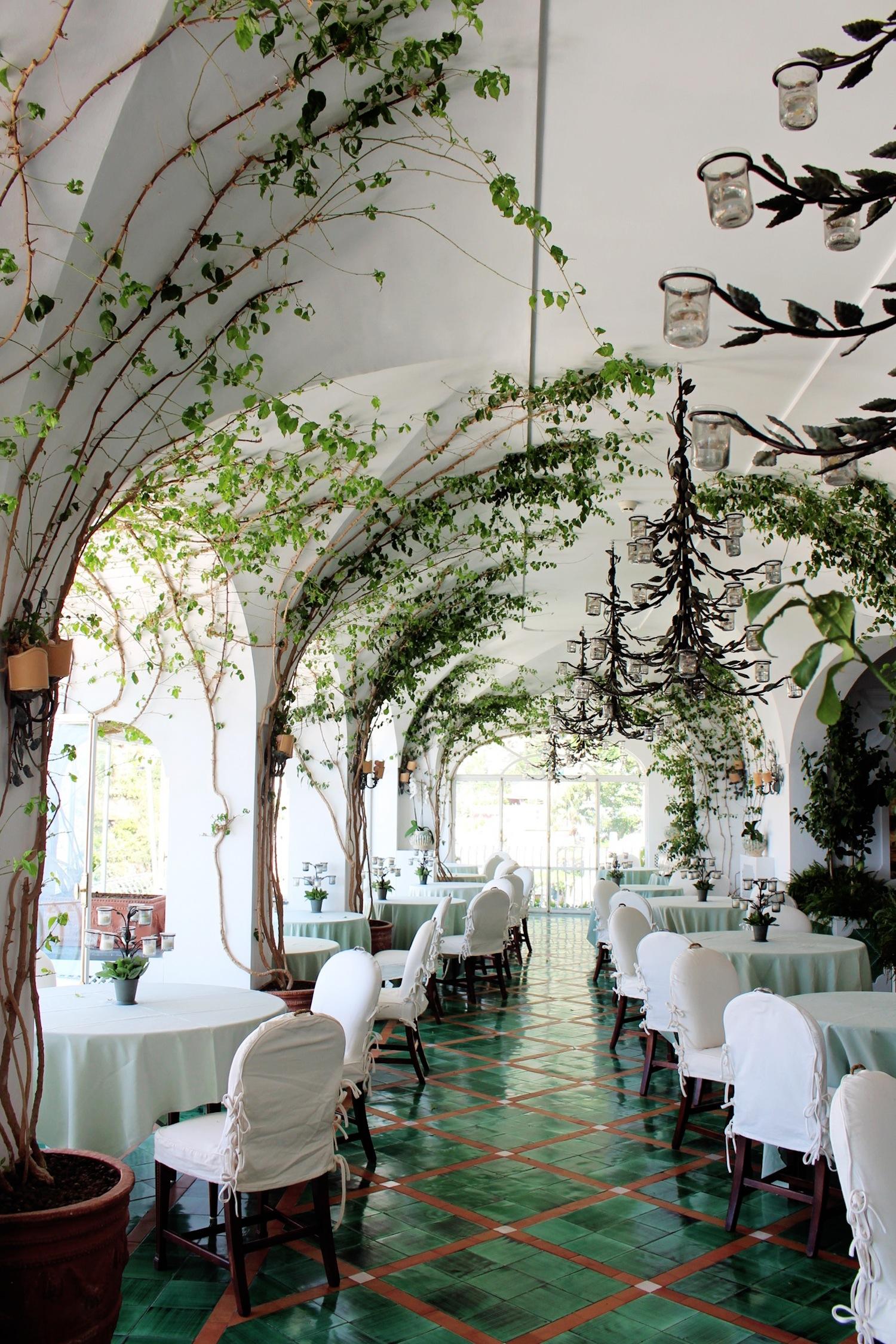 Le fil vert en décoration d'intérieur || hôtel Sirenuse à Positano, Italie