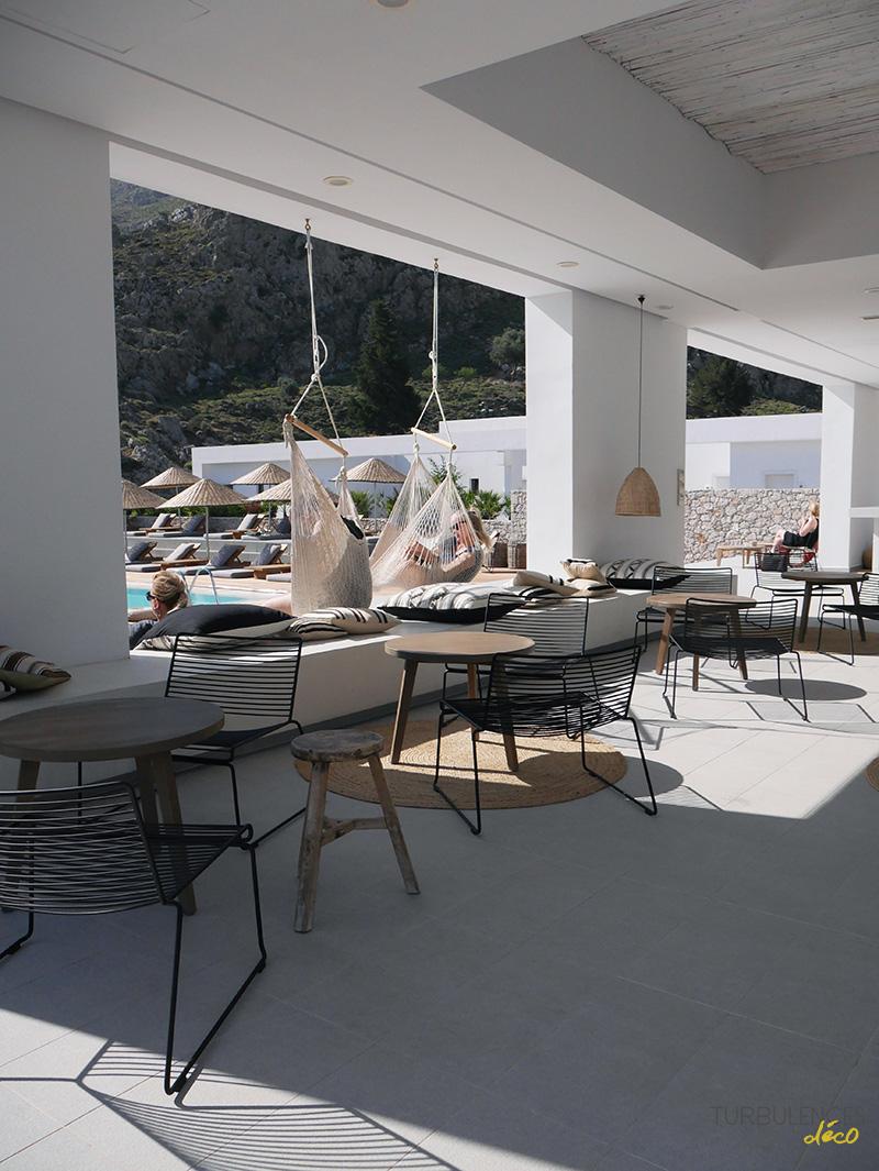 Une parenthèse ensoleillée : Casa Cook Rhodes - Turbulences Déco