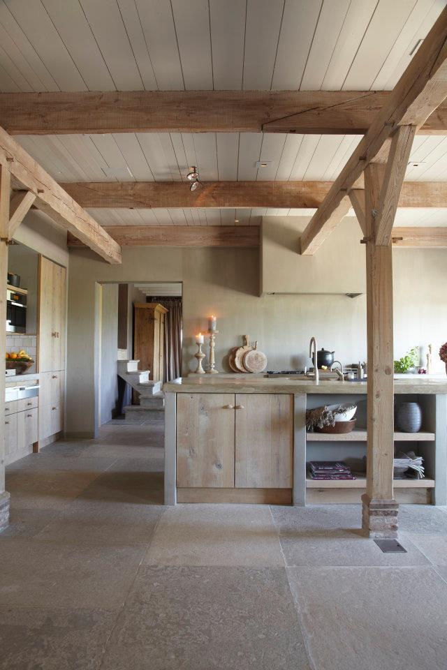 Meuble en bois brut, ambiance nature || Meubles en bois brut, atout charme