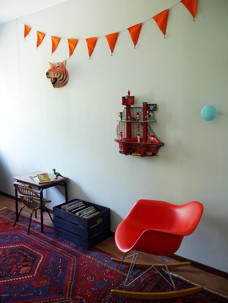 un placard sur mesure pour la chambre de gauthier. Black Bedroom Furniture Sets. Home Design Ideas