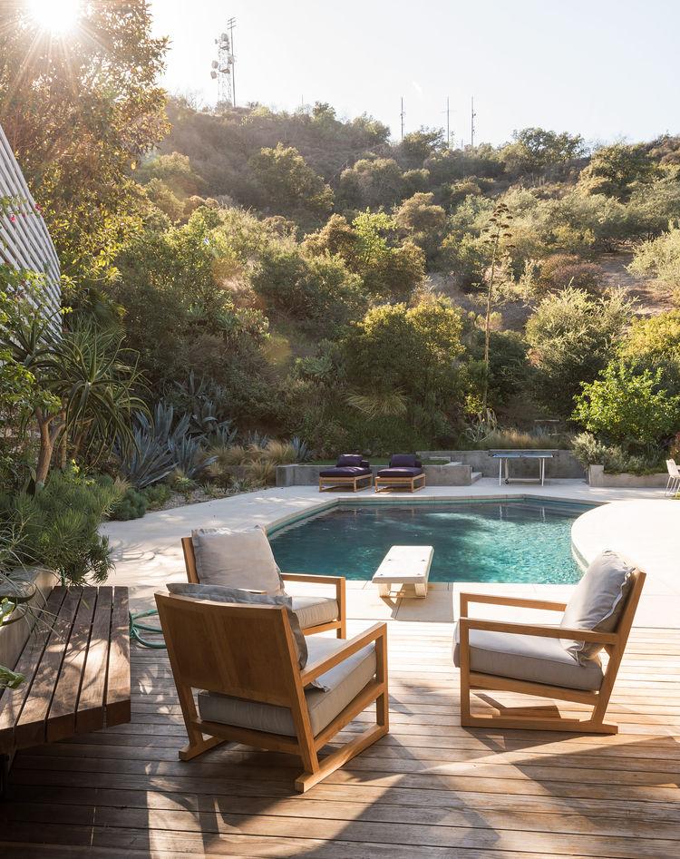 Autour de la piscine - Une maison sur les collines d'Hollywood