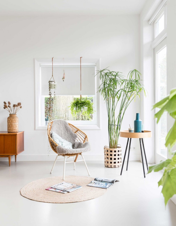 Déco blanche et plantes vertes - L'intérieur de Børke et Harm à Bussum