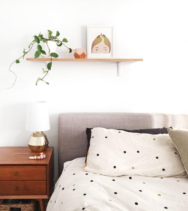 Déco blanche et plantes vertes - L'intérieur de l'artiste Kimmy Hogan