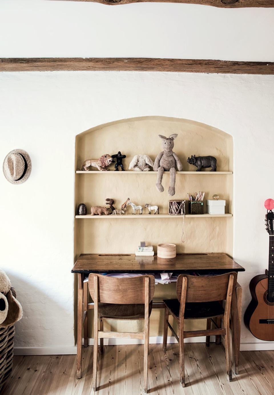 Déco moderne rustique - Un appartement ancien de Signe Bloch à Copenhague
