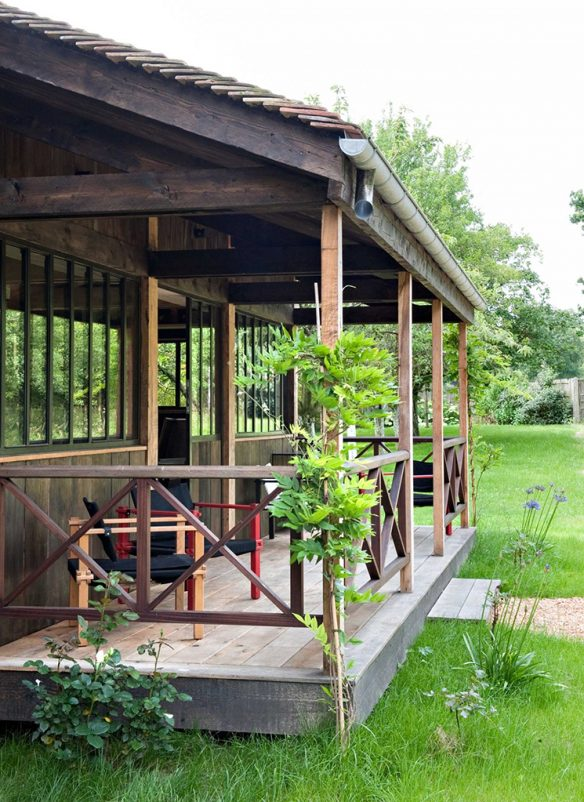 Une maison de campagne à la déco twistée par Sara Lavoine