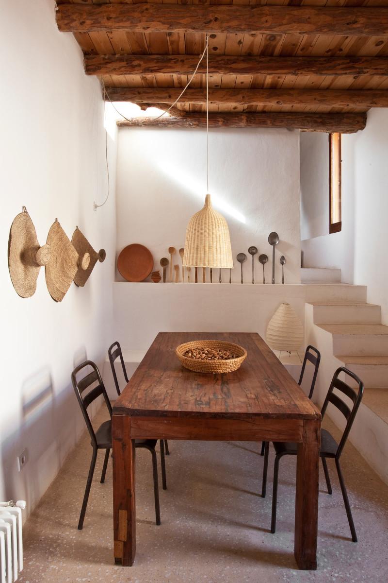 une maison au style rustique boh me ibiza. Black Bedroom Furniture Sets. Home Design Ideas