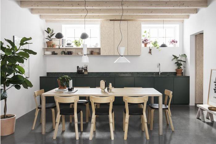 Déco basique, camaïeu de tons clairs || La maison de Petrus et Madeleine Palmér à Stockholm